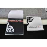 Вышитая залатанная сплетенная ткань с одеянием