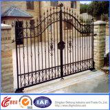 5400 * 2100mm Galvanisé Power Coated Manuel de contrôle d'ouverture Porte de fer / entrée de sécurité Steel House Main Gate
