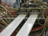 Espulsione del soffitto del PVC che fa macchina
