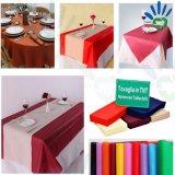 党、祝祭、クリスマスのための使い捨て可能でさまざまなカラーテーブルクロス