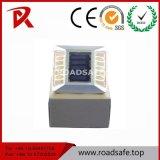 Hot Sale des éclats de plastique en aluminium IP68 goujon de la route solaire