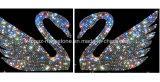 Toebehoren van de Auto van de Sticker van de Auto van het Kristal van de Zwaan van de Sticker van het kristal de Zelfklevende Tsjechische 3D (tP-Zwaan)