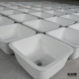 白い人工的な石造りのアクリルの固体表面の台所の流し(171211)
