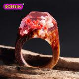 De met de hand gemaakte Houten Ring van de Hars met de Prachtige Uiterst kleine Levering voor doorverkoop van de Juwelen van het Landschap van de Bloem van de Fantasie