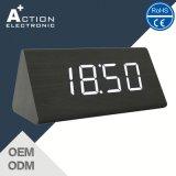 Triangle Wood Digital LED Clock com temperatura