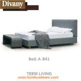 Allgemeines ledernes Bett ausgießen