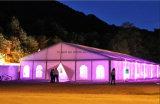 Grosses Hochzeits-Ereignis-Partei-Zelt mit dem Bodenbelag und dem Courtains