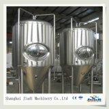 Grande equipamento da cervejaria da cerveja