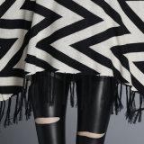As mulheres Fashion padrão de onda Algodão Poncho franja de malha de nylon (YKY2052)