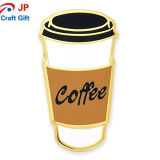 Personalizar la forma de taza de café insignia de solapa para la venta