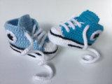 Pattini infantili di sport delle ragazze del ragazzo dei bottini di tennis delle scarpe da tennis del Crochet del bambino