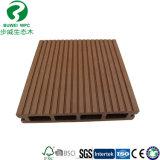Decking composé en plastique en bois extérieur en gros de l'usine WPC