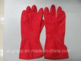 Rote Gummihaushalts-Handschuhe für Reinigung