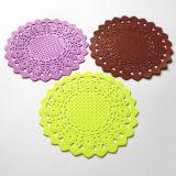 Petit couvre-tapis rond de caboteurs de silicones d'isolation thermique pour la cuvette de thé