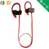Sports exécutant des écouteurs d'écouteurs d'écouteur de Bluetooth