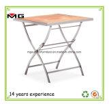 Для использования вне помещений складной обеденный стол с тиковой верхней части