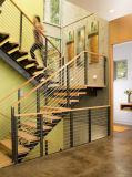 Escada de madeira interiores de luxo personalizado com fio de aço inoxidável balaustrada