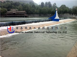 A água da alta qualidade encheu represas de borracha infladas