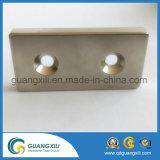 de Vierkante Magneet van 3cm met de Sterke Vierkante Magneet van Twee Gaten