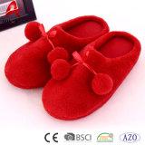 スリッパが付いている熱い販売の赤い珊瑚の羊毛の快適な浴衣