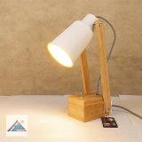 La lámpara de escritorio de metal con Toggie interruptor (C5007390)