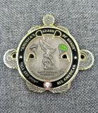 カスタマイズされた記念品によって刻まれる高品質のエナメルの金属のバッジ
