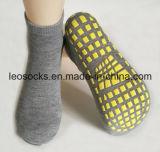 Beste verkaufende kundenspezifische Antibeleg-Trampoline-Socken-Sprung-Socken