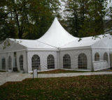 De openlucht Tent van de Vertoning van de Reclame voor de Partij van het Huwelijk