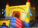 Het spelen van de partij heet Opblaasbaar het springen bouncykasteel