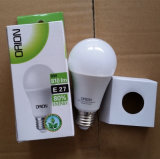 新製品暖かく白い後につかれた5W C37 LED E26 E14の蝋燭の電球