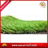 人工的な芝生のカーペット草を美化する庭