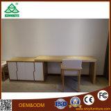 Таблица и софа деревянной кровати мебели кровати гостиницы установленная красивейшая