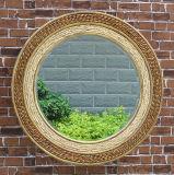 De Spiegel van het Venster van de Tuin van het smeedijzer om Spiegel