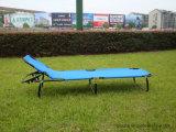 Im Freienmetall, das Ajustable kampierendes Bett faltet