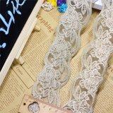Breiten-Goldgewinde-Stickerei-Nylonnettospitze-Polyester-Stickerei-Zutat-Fantasie-Blumenspitze des Fabrik-auf lager Großverkauf-5cm für Kleid-Zusatzgerät u. Hauptgewebe