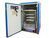 De Zonne Industriële Incubator van het Ce- Certificaat en de Uitbroedende Machine van 264 Ei