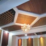 Plafond en plastique en bois intérieur de mur, panneaux de plafond intérieurs, panneau de plafond décoratif de WPC