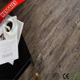 熱い販売の木製の質PVCビニールは4mmをタイルを張る