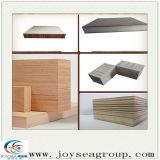 La superficie de madera contrachapada de 3,2 mm Okoume