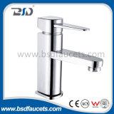 Однорычажной установленный стеной латунный смеситель Faucet ушата ванны