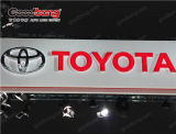 Chrome acrylique annonçant le logo éclairé à contre-jour de véhicule de DEL