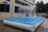 子供の遊園地のためのロール・ボールが付いている膨脹可能な空気トラック