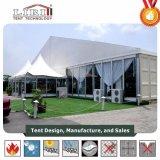 De openlucht Tent van de Partij van het Huwelijk van de Luxe met Wit Tapijt