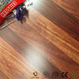 積層のフロアーリング11mmのための手によって擦られる床のマット