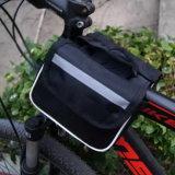 Bike горы 3 автомобиля на первом мешке мешка мешка пробки пакета пробки автомобиля на мобильном телефоне