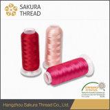 De Draad van de Polyester van het Merk van Sakura met hoogst Aantrekkelijke Schitterend polijst en de Brede Reeks van de Kleur
