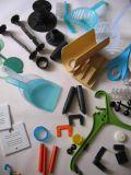 Parti di plastica modellate abitudine