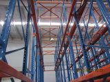 Estilo de paletes de alta densidade de armazenamento de acionamento do carro elevador no sistema de rack