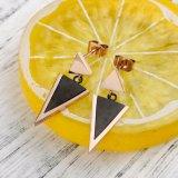 女性のための2017の新式のステンレス鋼の三角形のイヤリング