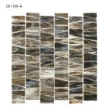 Mosaico grigio di vetro macchiato di disegno di legno di effetto per la parete della stanza da bagno